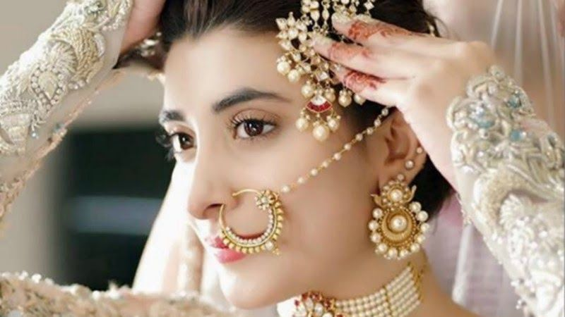 Would You Pay Rs180 000 For Your Bridal Makeover Style 15 Makeup Artist Red Flags You Need To Watch In 2020 Bridal Makeover Wedding Hair And Makeup Wedding Hairstyles