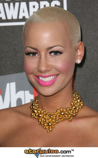 Amber Rose - love her makeup here, especially her lipstick!