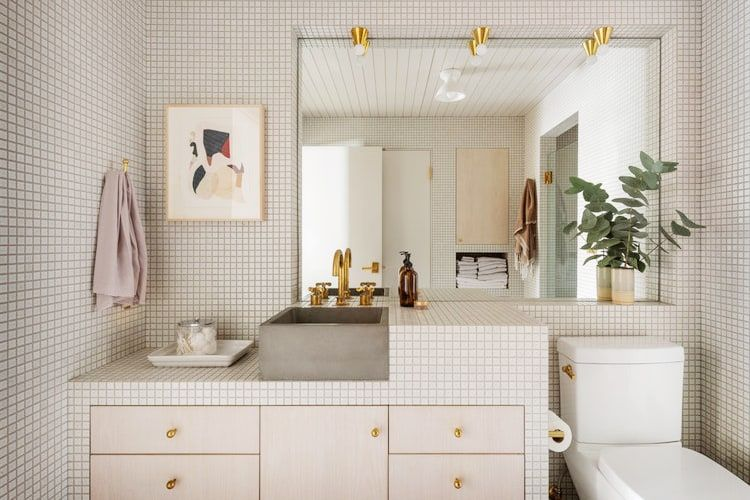 360 Degree Grids And Beetlejuice Stripes The Best Small Bathroom Tile Ideas In 2020 Small Bathroom Tiles Tile Bathroom Small Bathroom