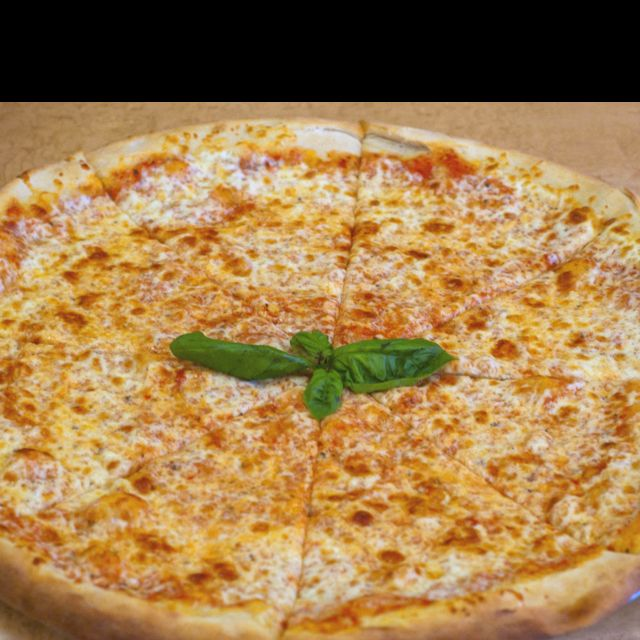 NYC pizza pie! #food #foodporn #pizza | Dishes Worth Eating | Pinterest