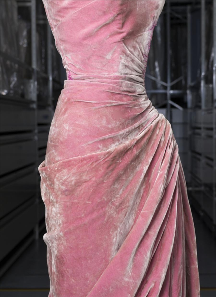 Robe du soir, Grès © Eric Emo / Galliera / Roger-Viollet | Madame ...