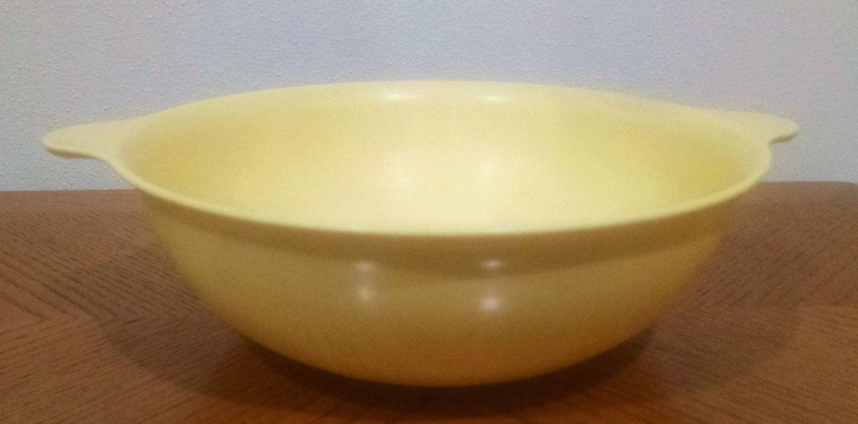 Mallo Ware Melamine Serving Bowl No 91 Yellow Bowl 9 Inch Diameter Mid Century Vintage Dinnerware By Classy Vintage Dinnerware Yellow Bowls Dinnerware