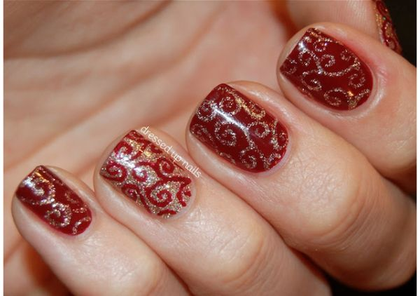 12 Holiday Manicures We\u0027re Dying to Try Holiday nail art, Holidays