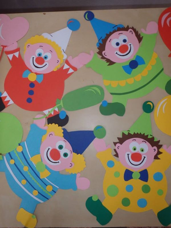 Klauni v zdoba fasching karneval a karneval basteln - Fensterbilder karneval ...