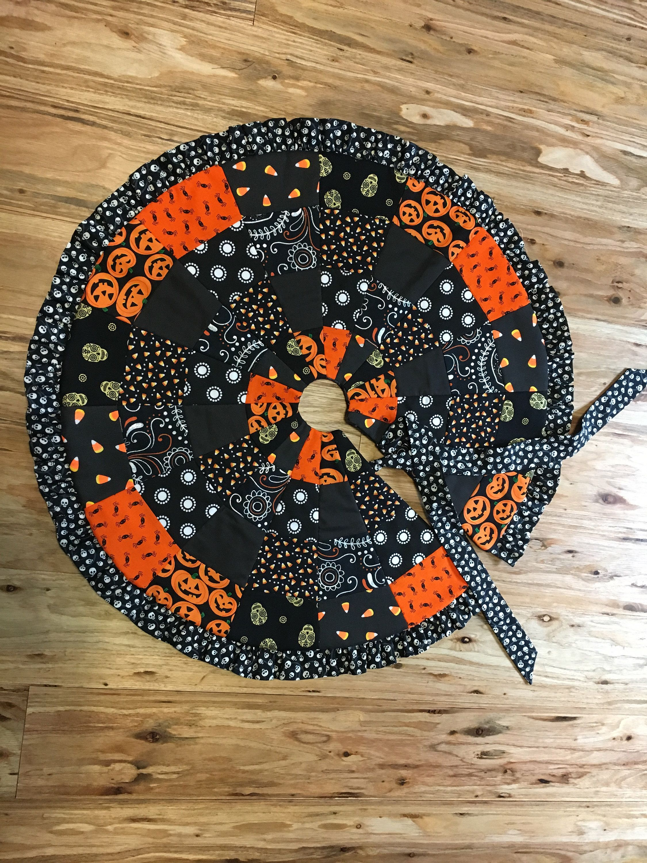 Halloween tree skirt Halloween trees, Tree skirts, Table