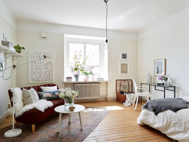 10 Sneaky Ways To Make A Small Space Look Bigger Apartment Decorating For Couples Small Room