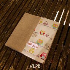Protège carnet de coloriage en lin et coton les hiboux