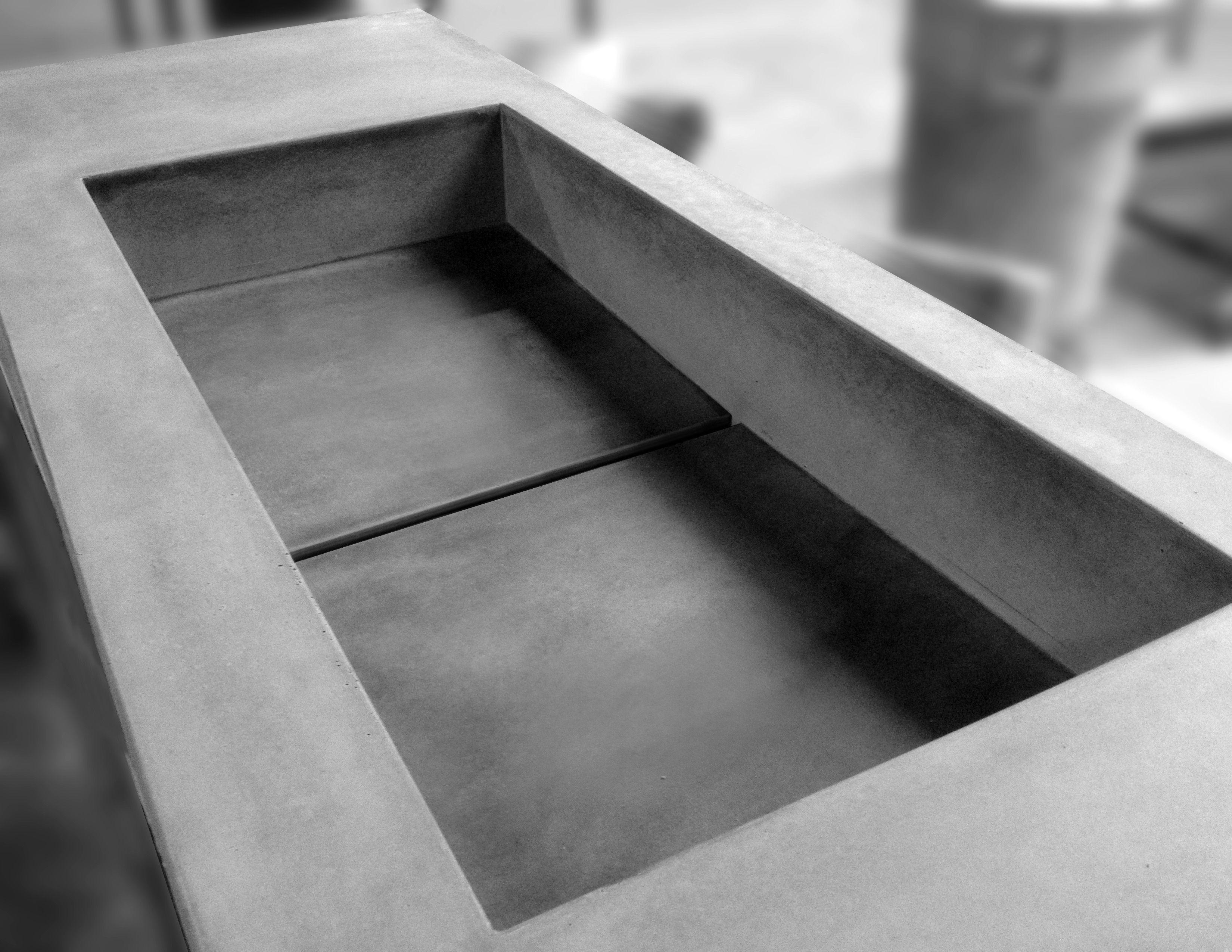 Umywalka Z Odpływem Liniowym Wykonana Z Ultralekkiego Betonu