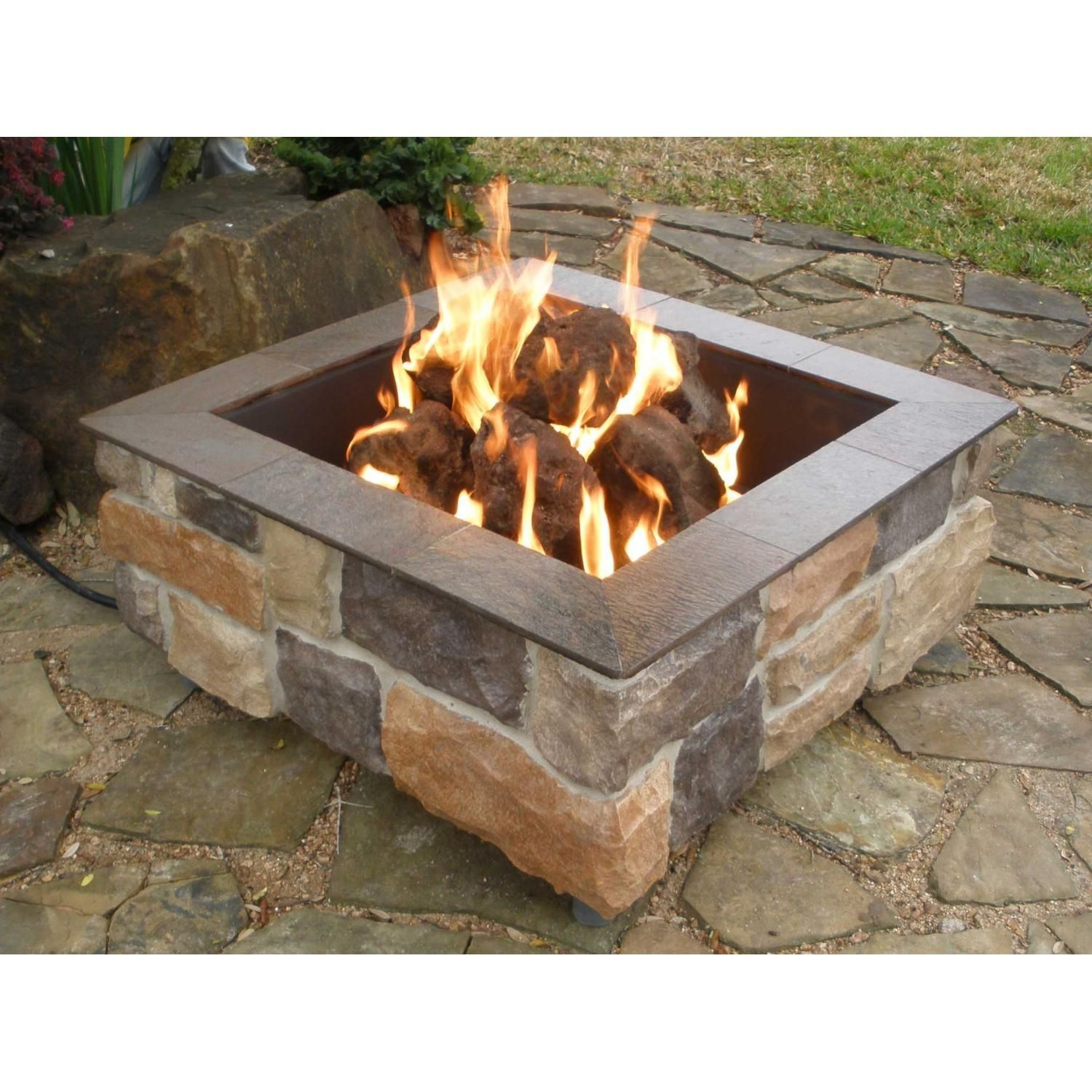 FireScapes Smooth Ledge Square Natural Gas Fire Pit in Rock