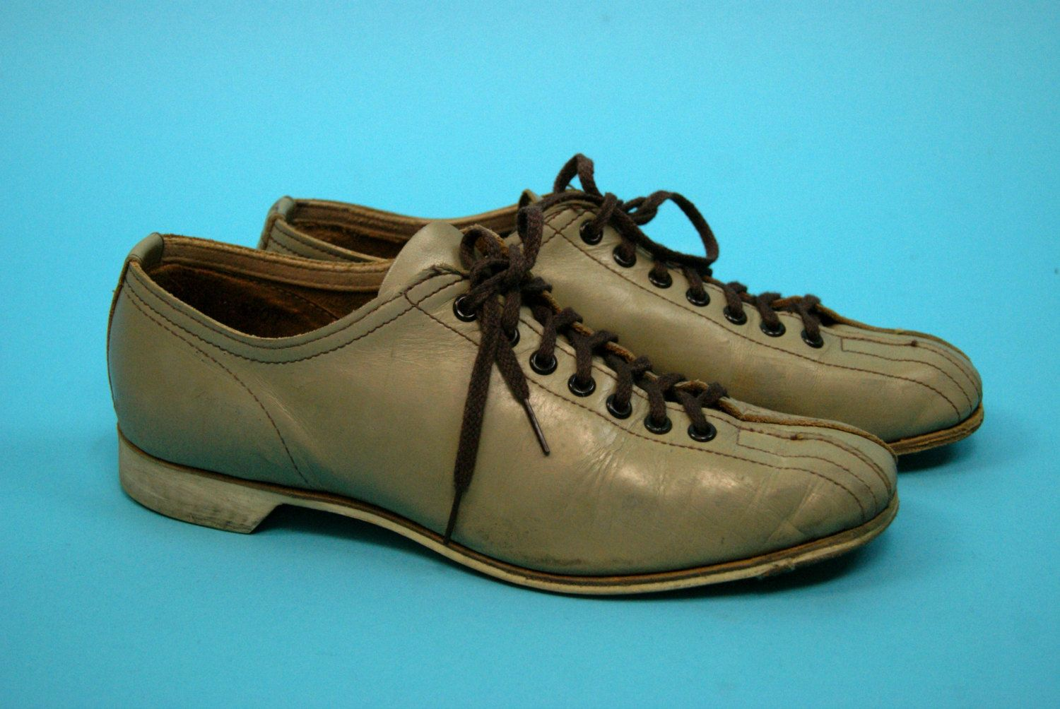 vintage brown leather retro pin up rockabilly mid century mad men era authentic bowling shoes - 1960s - women's size 9