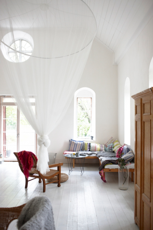 Dreaming about the summer house, this one on the Swedish island Gotland   Photo by Stellan Herner for Elle Decoration   via Style and Create