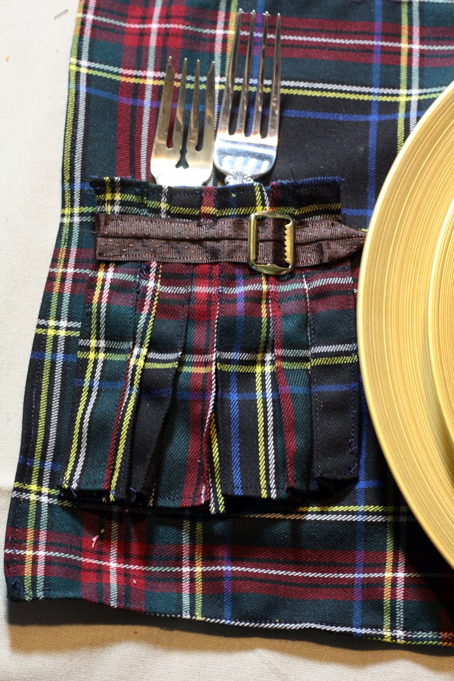 Fudge Ripple Scottish Kilt Placemats In The Craft Room Scottish Decor Tartan Christmas Scottish Kilts