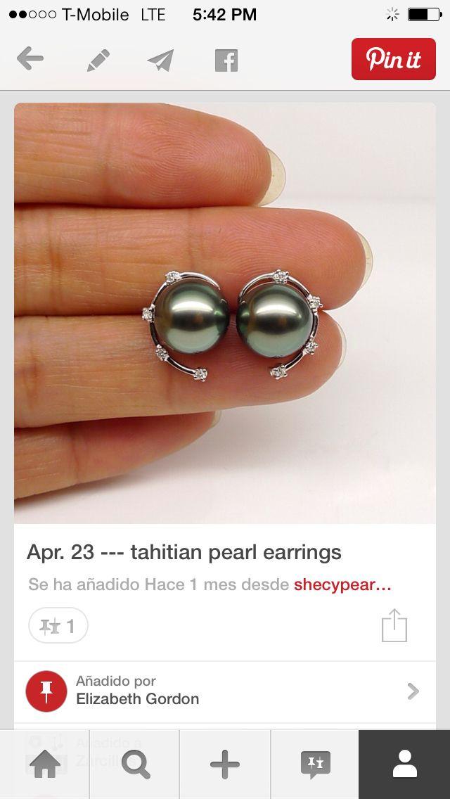 16ce0de8e116 Zarcillos perlas negras con detalle de oro blanco y brillantes ...
