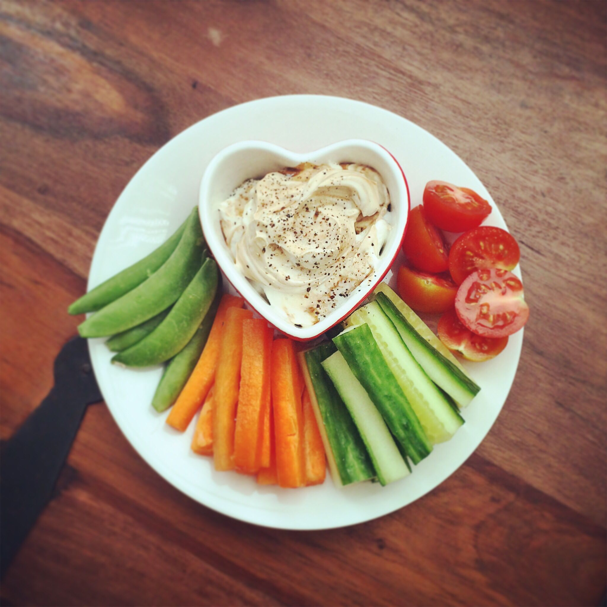 Delicious Easy Dips: Quark Dip With Delicious Veggie Crudités Via Slimming