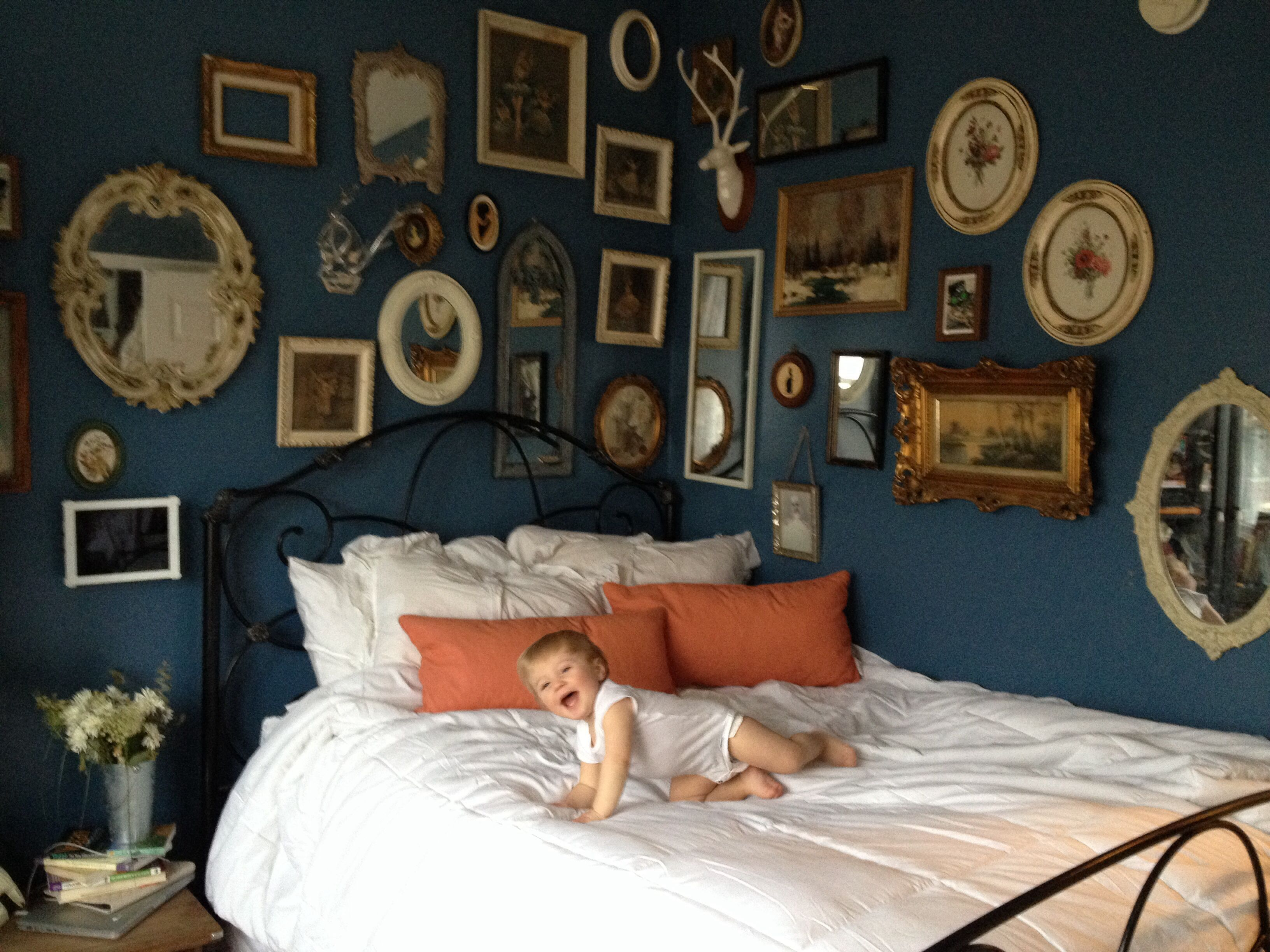 Decorate navy blue paint home decor interior design