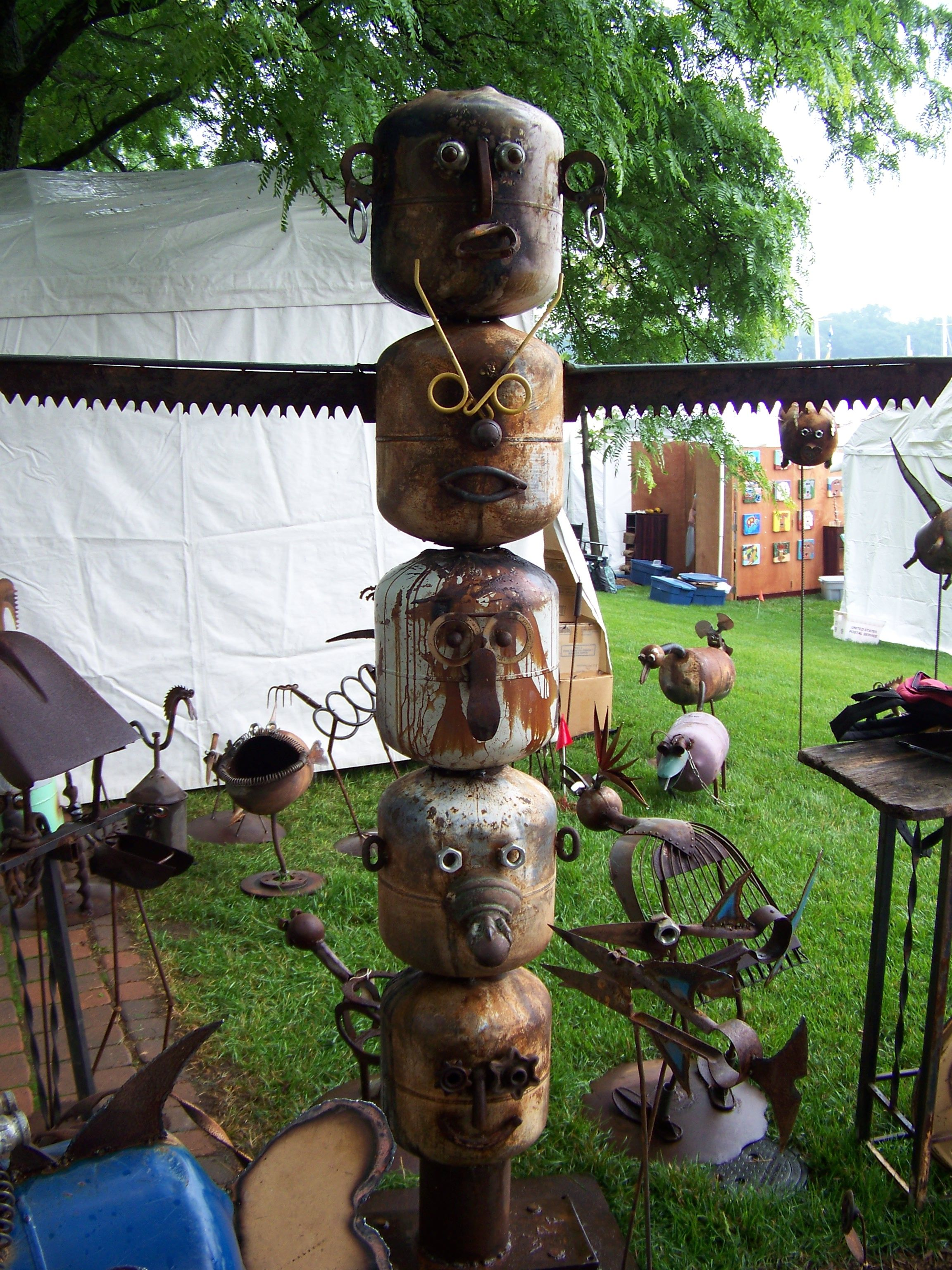 totom pole made from scrap metal ad found objects   Metal ...