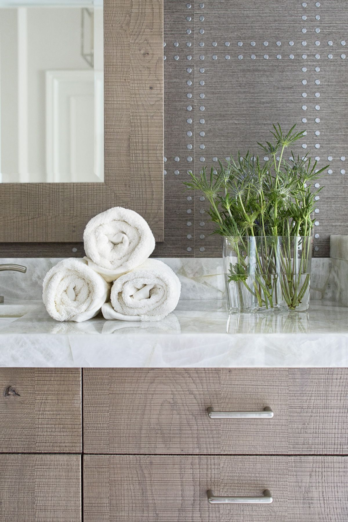 Ballenisles wallpaper bath and bathroom vanities
