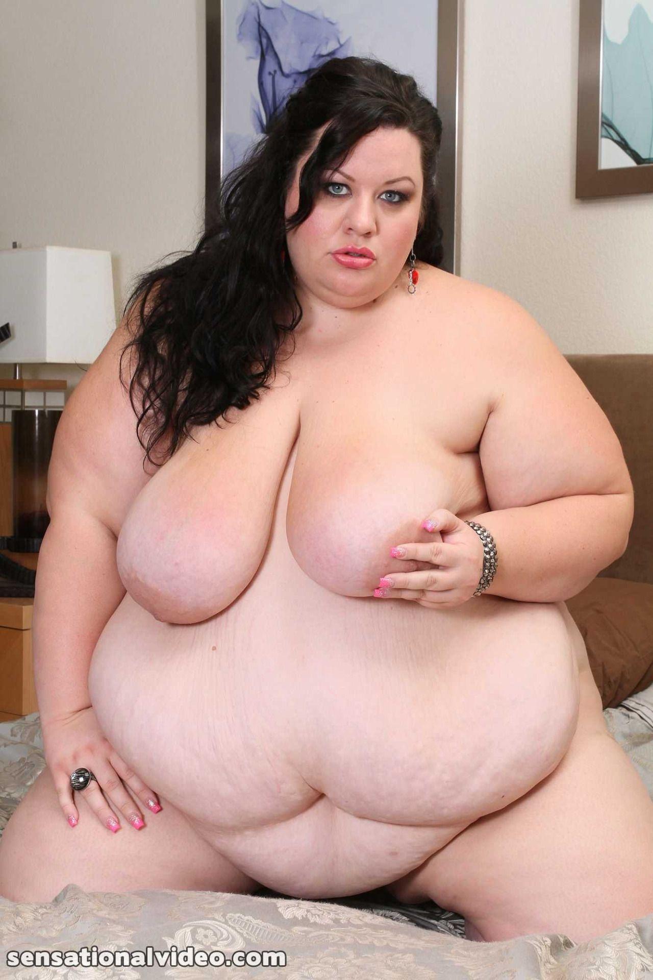 Hot topless girls in bikinis gif