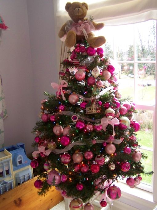 Perfect 15 Creative Christmas Tree Decorating Ideas