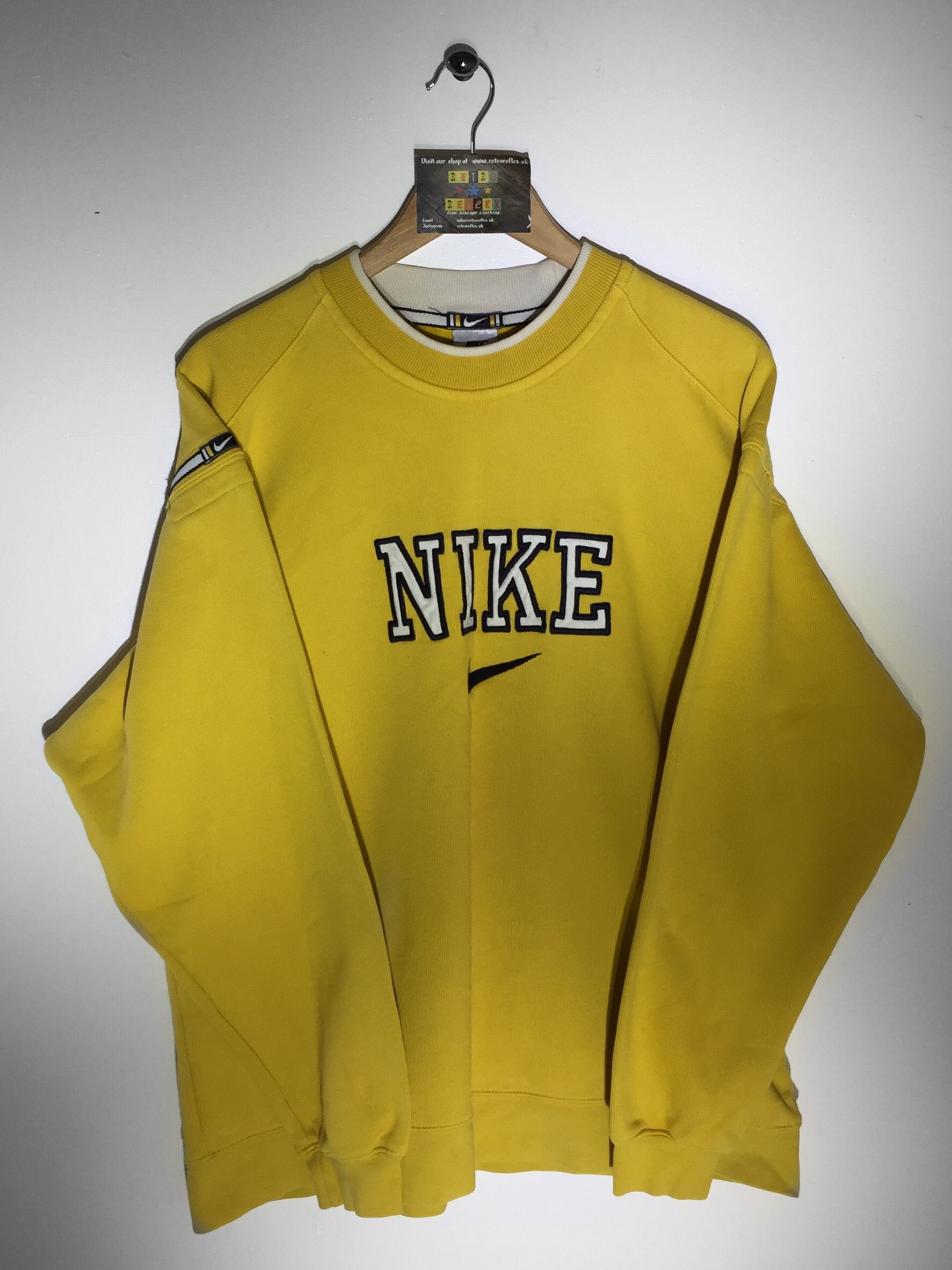 Nike sweatshirt large but fits oversized 36 website for Old school nike shirts