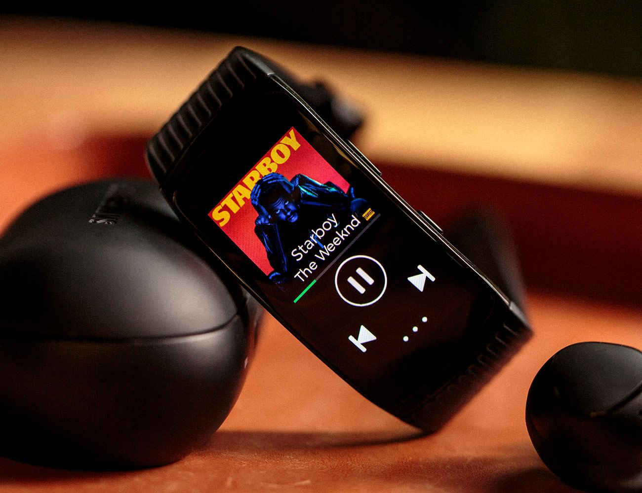 Review Is This The Perfect Running Watch For Spotify Subscribers Running Watch Samsung Gear Fit 2 Smart Bracelet