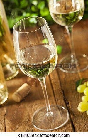 Refreshring, vin blanc, dans, a, verre Voir Image Grand Format