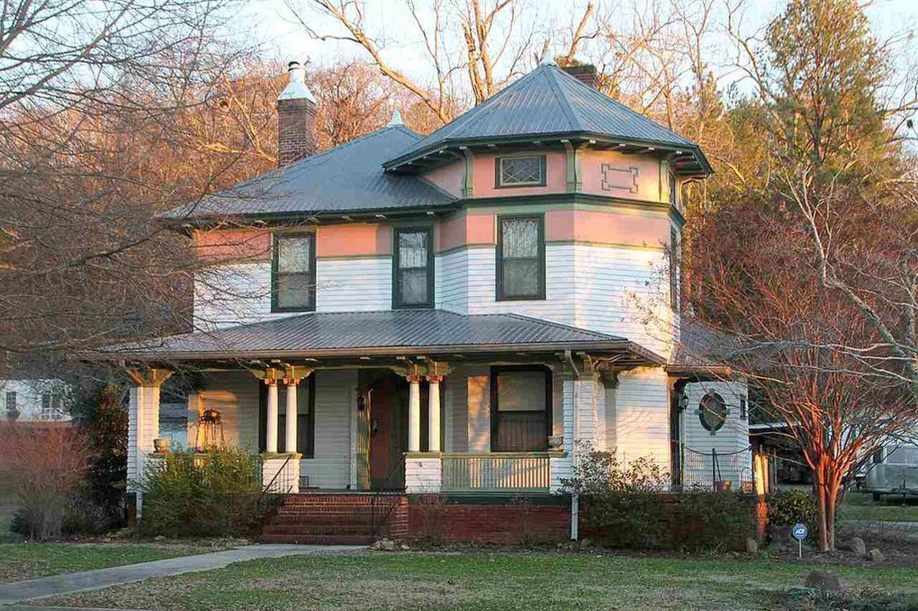1631 Rocky Hollow Rd Anniston Al 36207 Anniston House Styles Old Houses