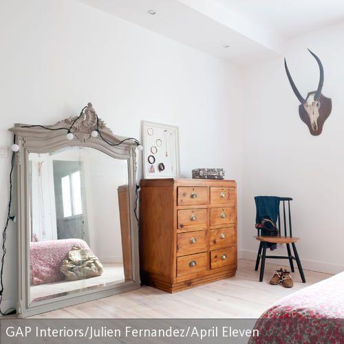 Wohnideen Großes Schlafzimmer mit gutbürgerlichen accessoires zum vintage look große spiegel