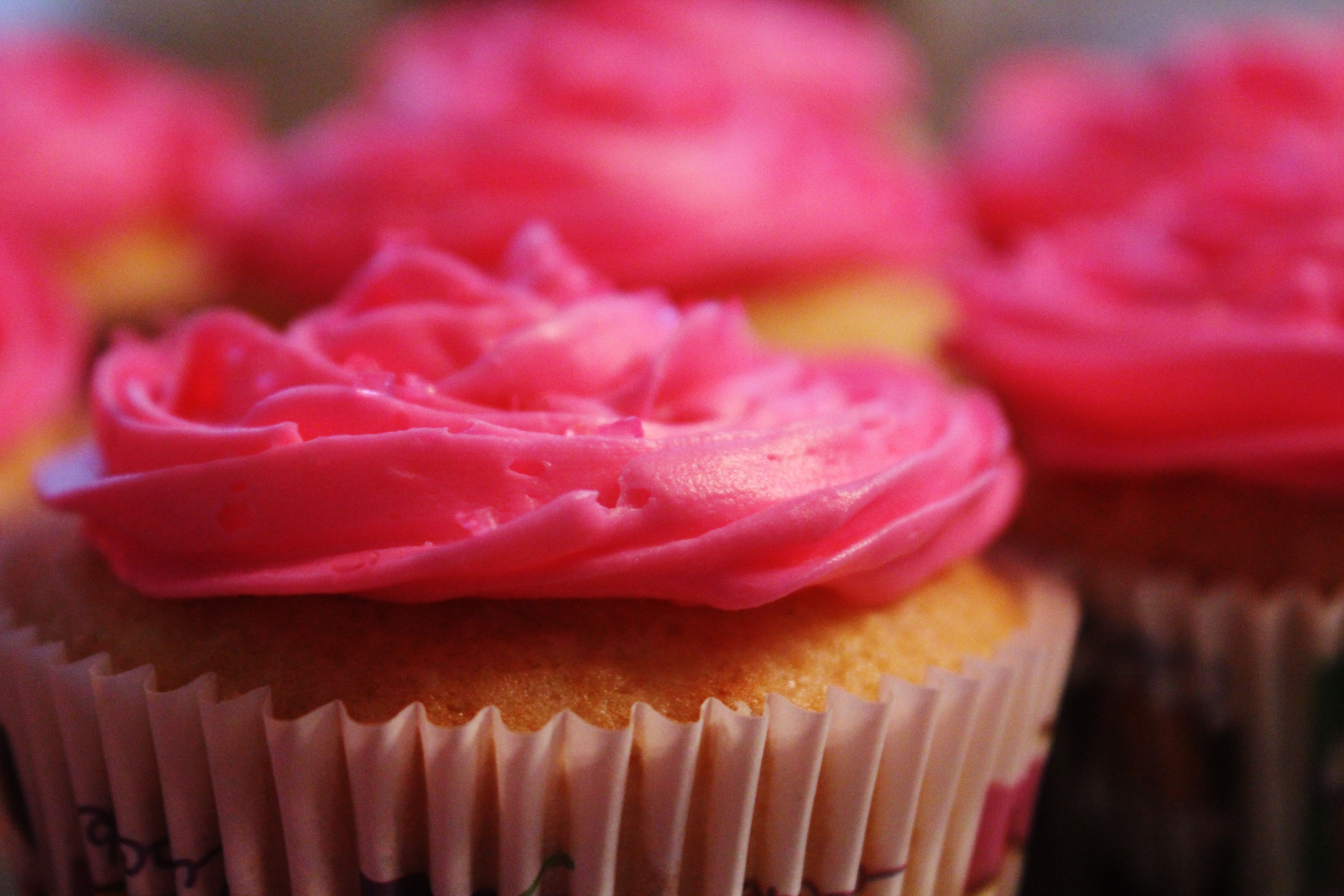 Strawberry filled cupcakes! :)
