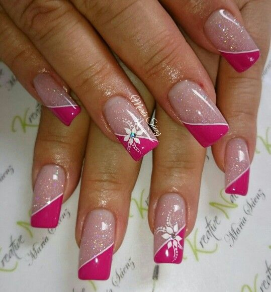Decorado fucsia diagonal is part of nails - nails