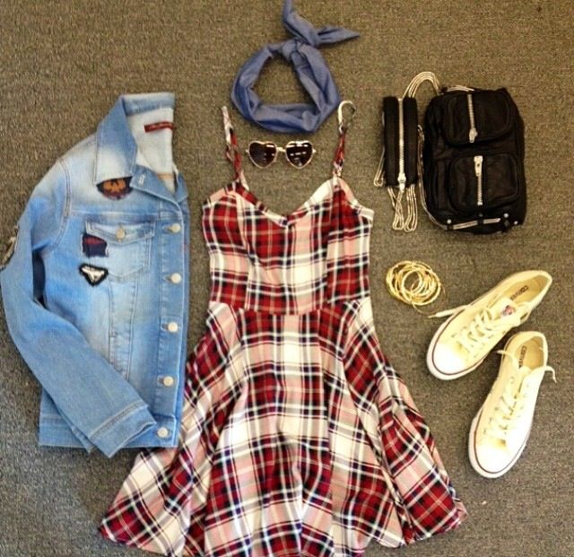 A cool dress and jacket can make the difference,here a cool outfit ;)