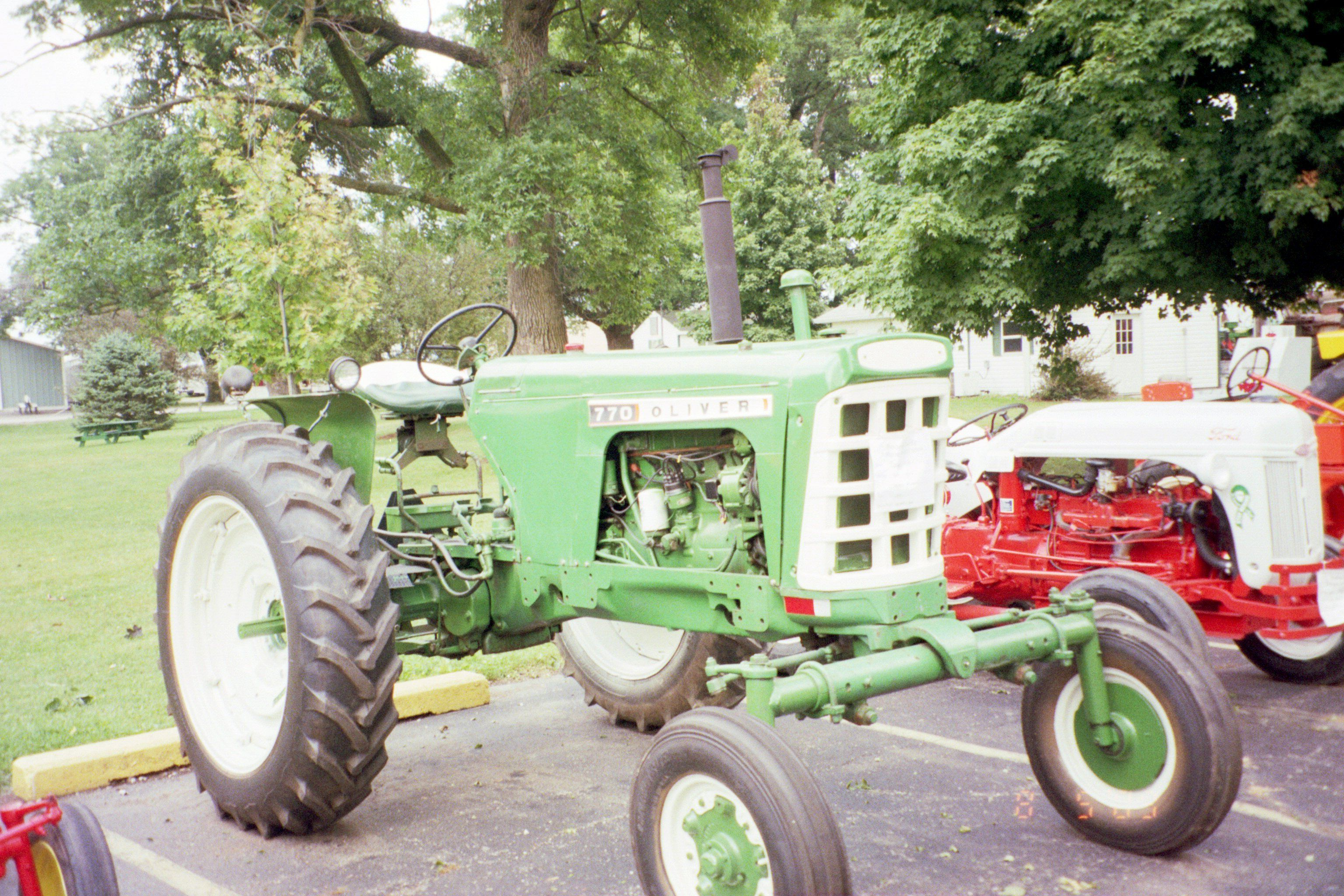 Oliver 770 with checkerboard front grill | Oliver tractors ...