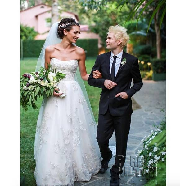 Avril Lavigne Wedding Gown: Avril Lavigne's Ex-Husband Deryck Whibley Just Got Married
