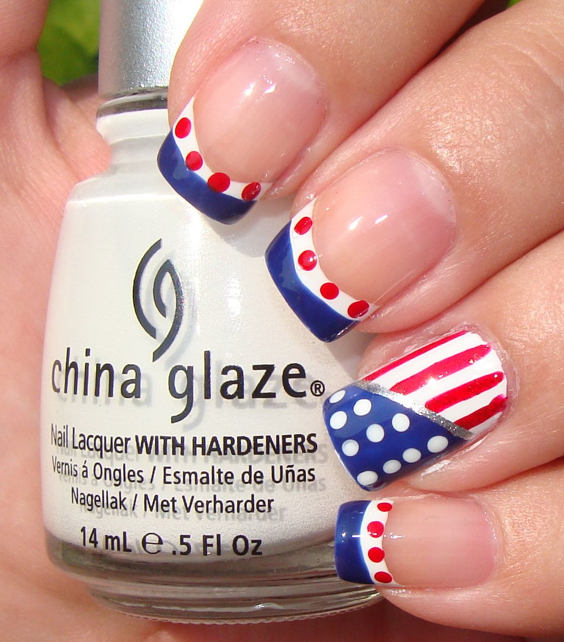 4th of July Nail Art | SocialCafe Magazine | Cute Nails | Pinterest ...