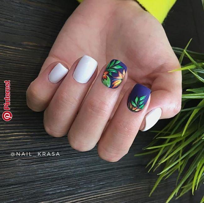 Summernails Tropicnails Naturenails Leavesnails Paintnails Whitenails Tropical Nails Manicure Perfect Nails