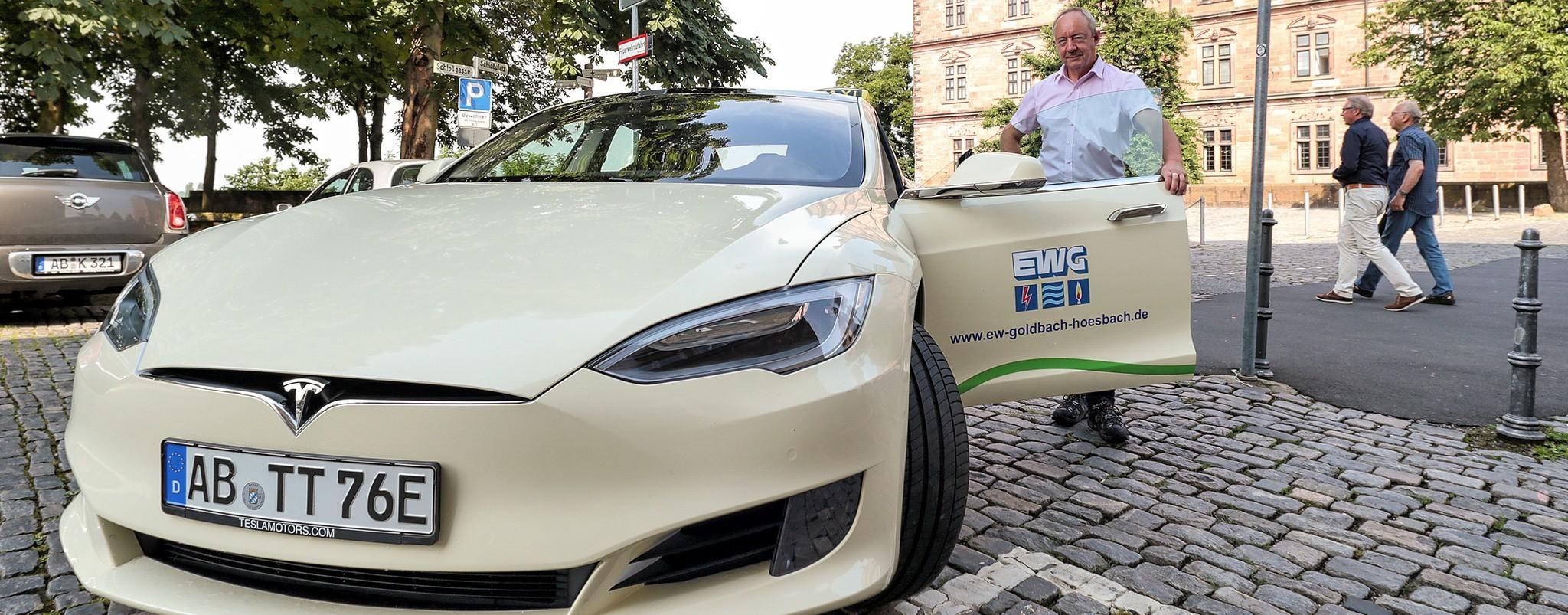Erstes Tesla Taxi Rollt Durch Aschaffenburg Tesla Aschaffenburg Mitfahren
