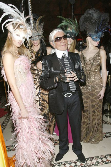 roberto cavalli dresses as designer karl lagerfeld at the cavalli cipriani halloween ball 2007 hosted by roberto cavalli and giuseppe cipriani on october