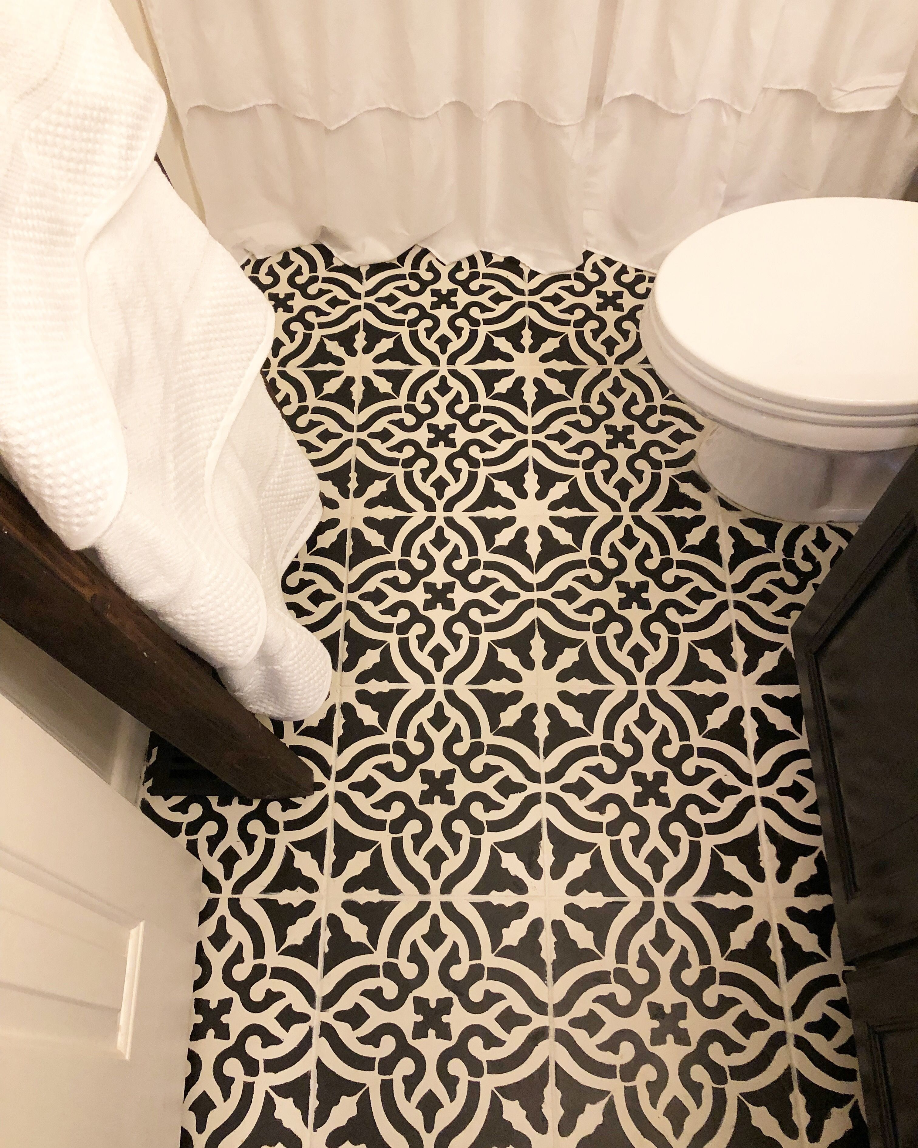 Stenciled ceramic tile floors for the win week 4 of the 100 room stenciled ceramic tile floors for the win week 4 of the 100 room challenge was a big one wilshire collections dailygadgetfo Images