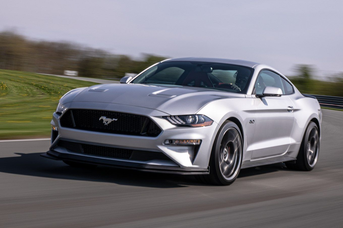2018 Ford Mustang Gt Performance Pack 2 Front Three Quarter In