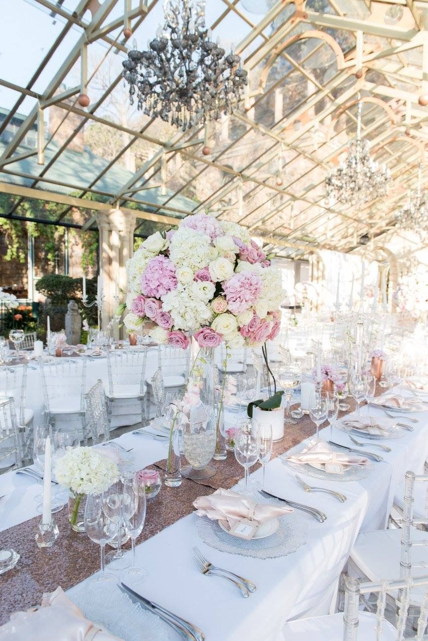romantic and lush white and blush pink flower centerpieces using rh pinterest com Pale Pink Peonies Flowers Centerpieces Blush Pink Flower On Navy Linen