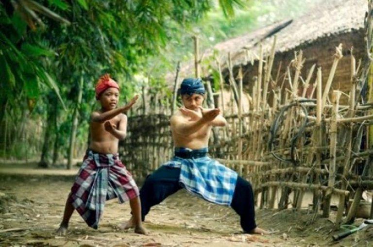 Gimana Cara Jadi Pemimpin Yang Bijak Adil Tegas Tapi Disukai Orang Pemimpin Pemimpin Yang Baik Kepemimpinan Indonesia Pem Pencak Silat Orang Fotografi
