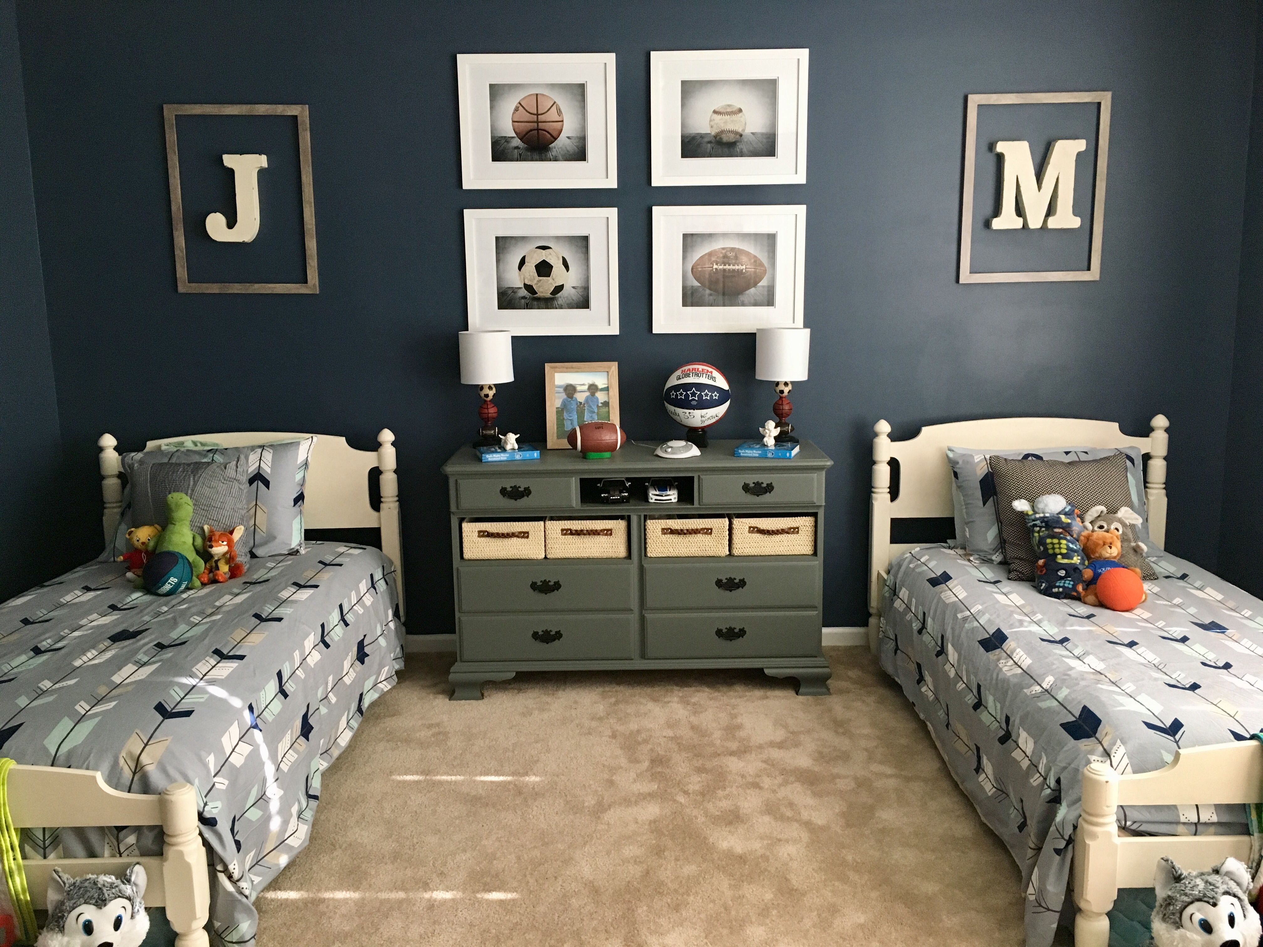Twin Room I Love This Even Settings Boys Room Decor Boys Shared Bedroom Twin Boys Bedroom