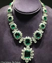 TusLujos: Collar de esmeraldas y diamantes Bulgari segunda mano 15.000€