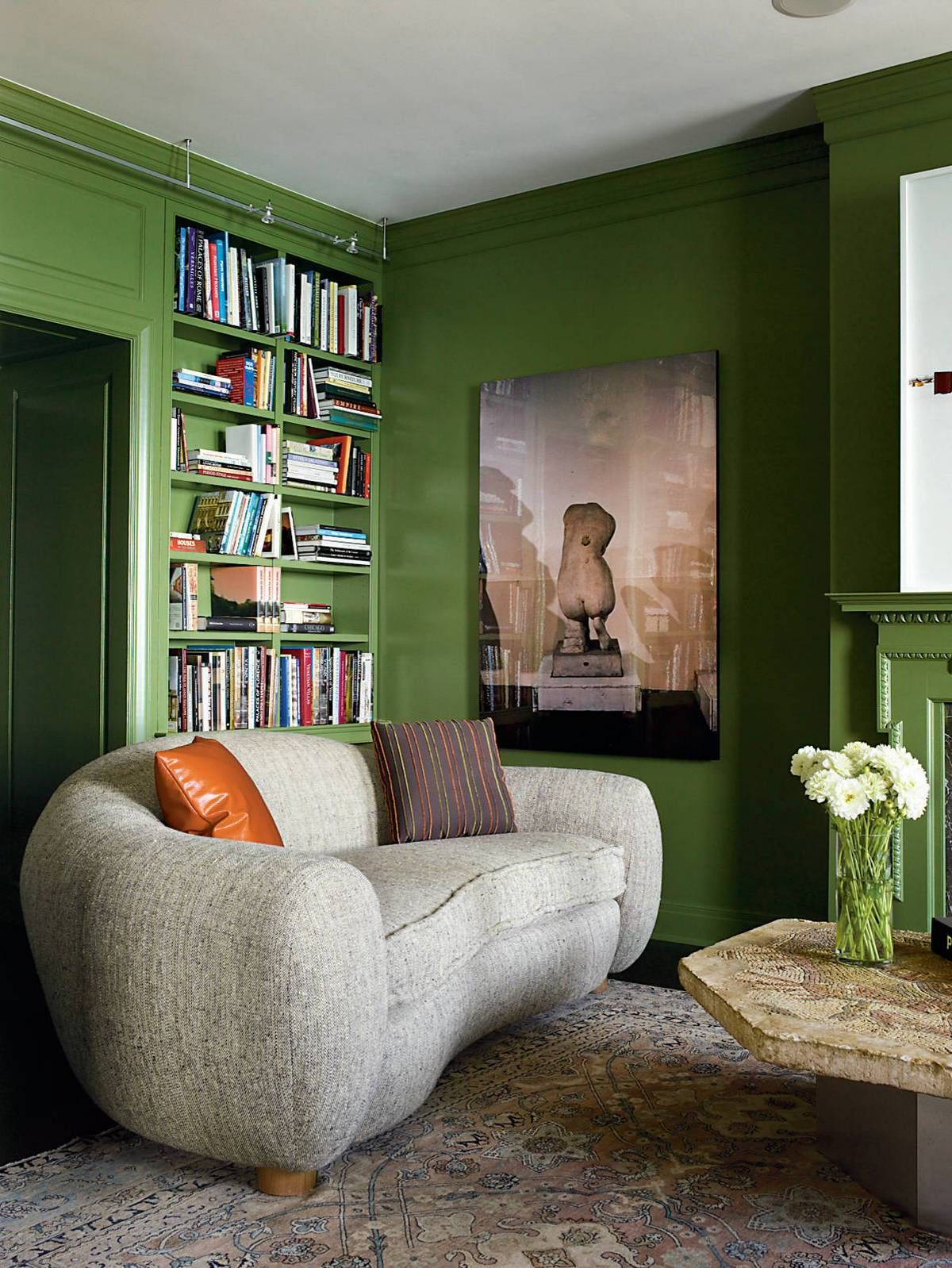 Green walls with dark floors | Usual House