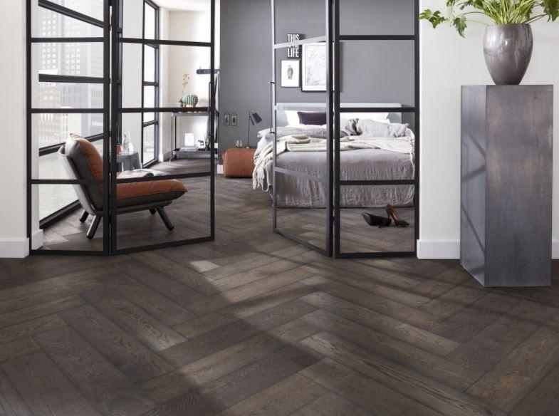 Visgraat laminaat geeft uw woonkamer, eetkamer of slaapkamer een ...