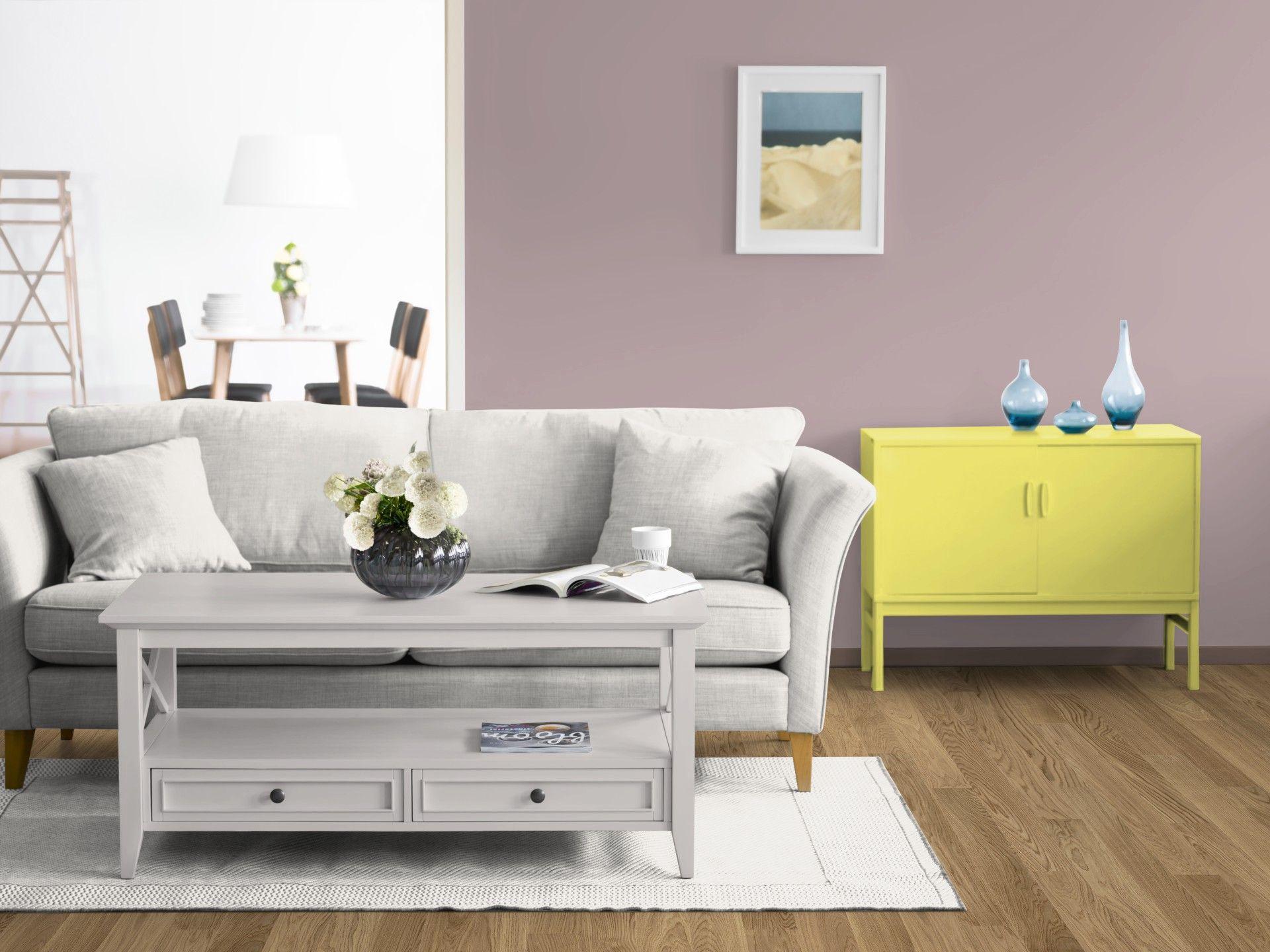 das kolorat zimmer wird in altrosa gestrichen der schrank zitronengelb lackiert wandfarbe. Black Bedroom Furniture Sets. Home Design Ideas