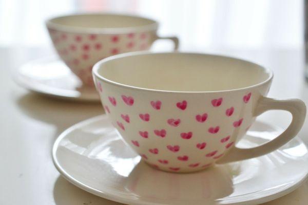 tassen bemalen f r eine fr hliche stimmung beim kaffee. Black Bedroom Furniture Sets. Home Design Ideas