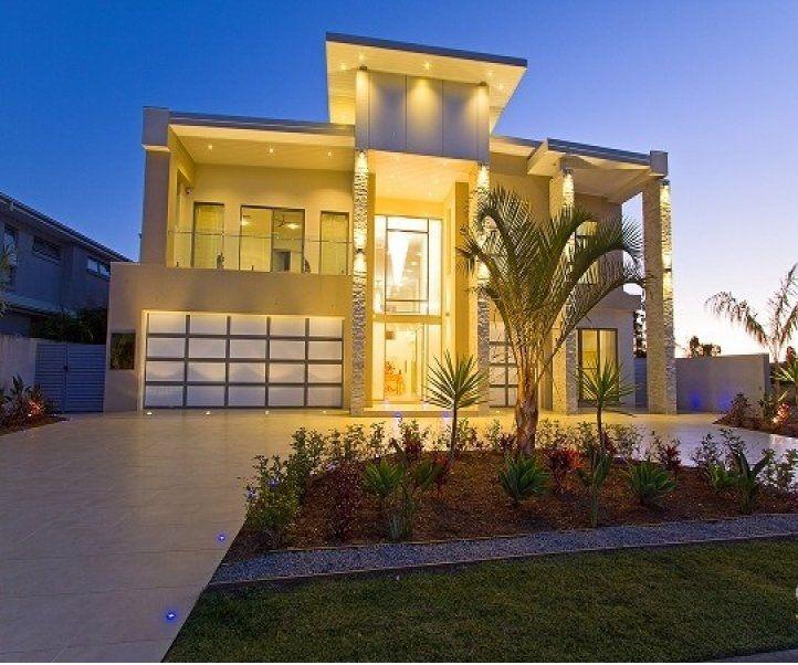 Casas dise os fachadas llamativas fotos de casas for Iluminacion exterior fachadas