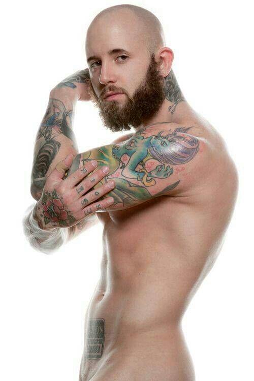 naked upskirt pussy photos