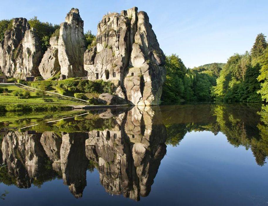 Der Teutoburger Wald In Nrw Externsteine Teutoburger Wald Teutoburger Wald Wandern Nrw